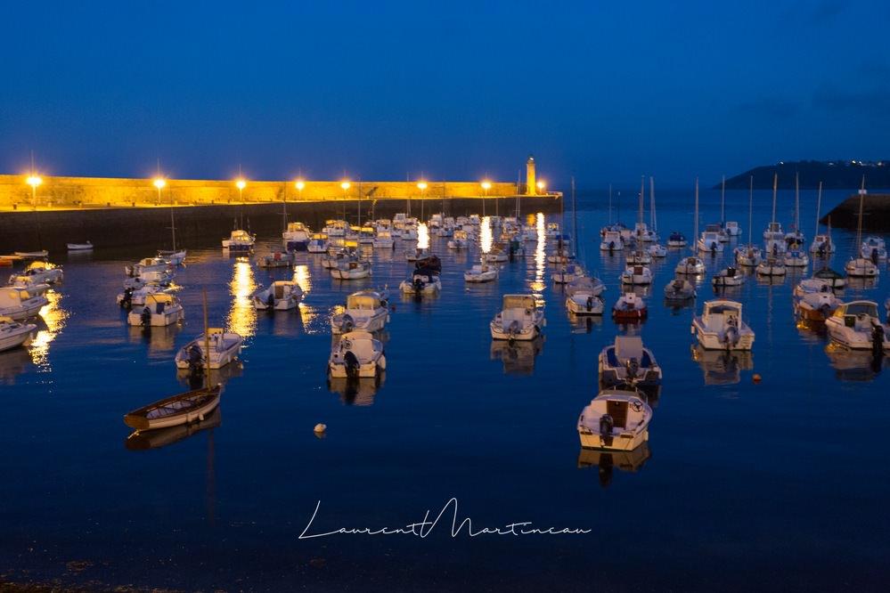 Port de Binic pendant l'heure bleue